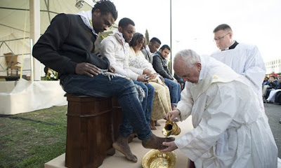Pope Francis Washes Feet Of A Nigerian Prisoner
