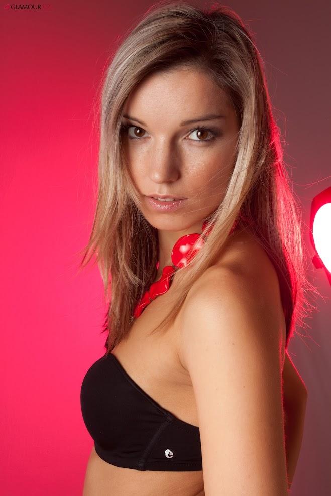 [Glamour.CZ] Silvie 2 - Black & Red - Girlsdelta
