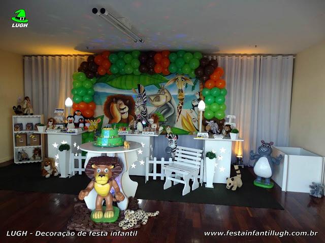 Decoração de festa infantil tema Madagascar - Aniversário - Provençal simples