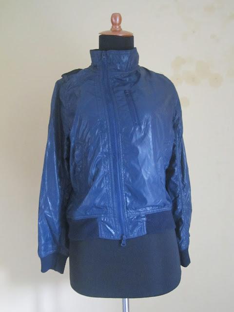 Jaket Wanita Blue Corner Ukuran M ( JKW 4 )