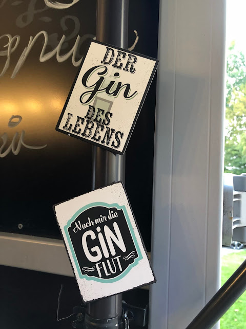 Der Gin des Lebens, nach mir die Ginflut, Horsebox-Bar, horseboxbar, Bayern, Garmisch-Partenkirchen, Event, mobile Bar, pop-up Bar, rent a bar, Uschi Glas, 4 weddings & events, 4 Gin & drinks, Hochzeitsbar, Event-Bar, Highlight für Events, Barhänger