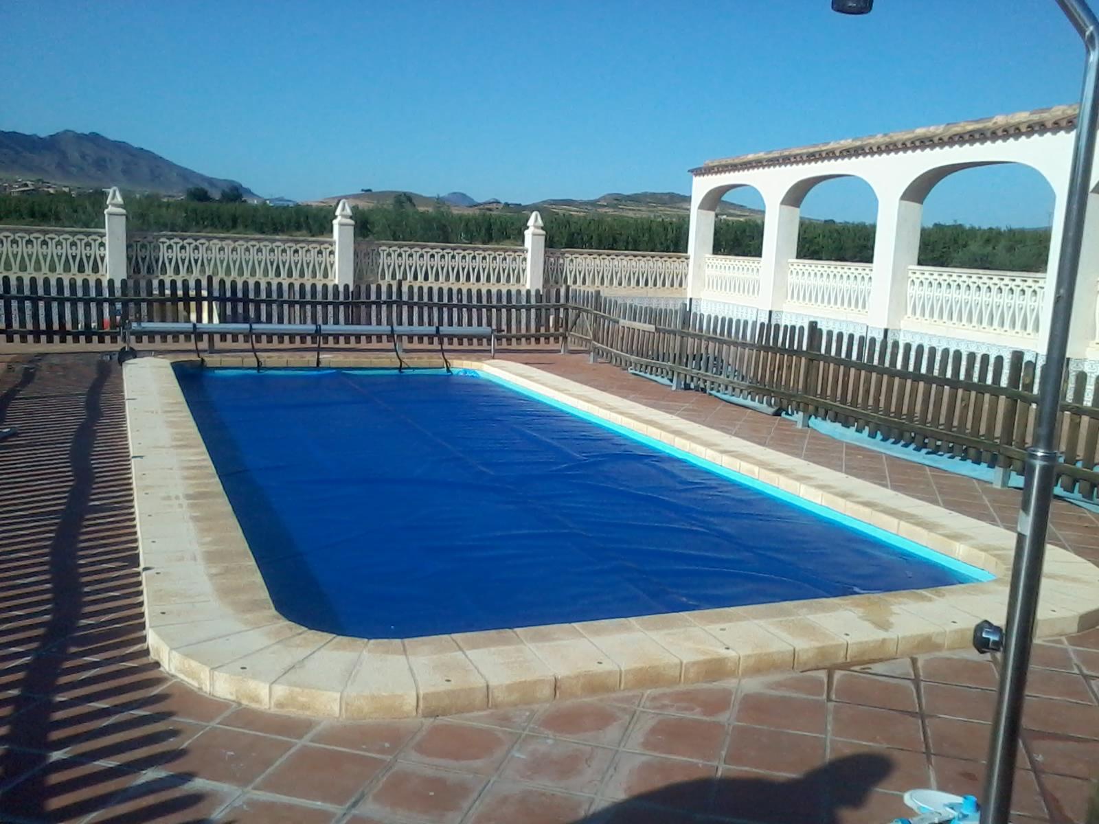 Lonas para piscinas precios awesome cubierta de invierno for Piscinas de invierno