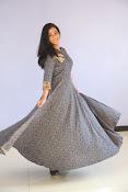 gayathri latest sizzling pics-thumbnail-3