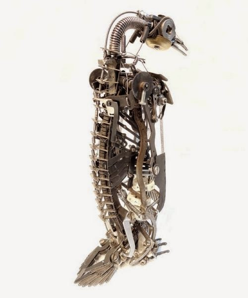 13-Jeremy Mayer-Typewriter-Robot-Sculptures-www-designstack-co