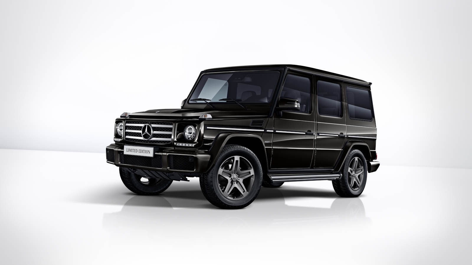 mercedes g class signs off with parting limited edition. Black Bedroom Furniture Sets. Home Design Ideas