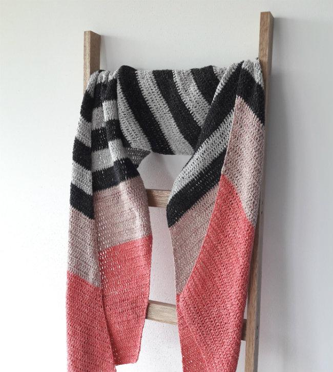 Free crochet pattern: the double salt shawl | Happy in Red