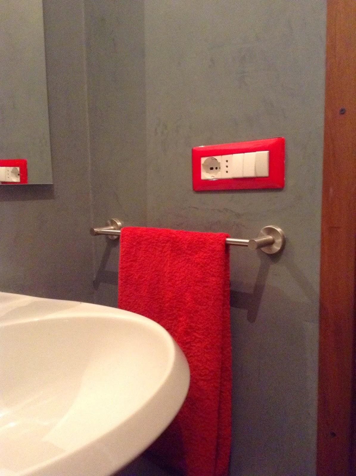 Coprire le piastrelle del bagno - Smalto piastrelle bagno ...