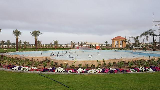 pool contractors dubai