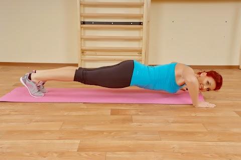 Karformáló gyakorlat: fekvőtámasz