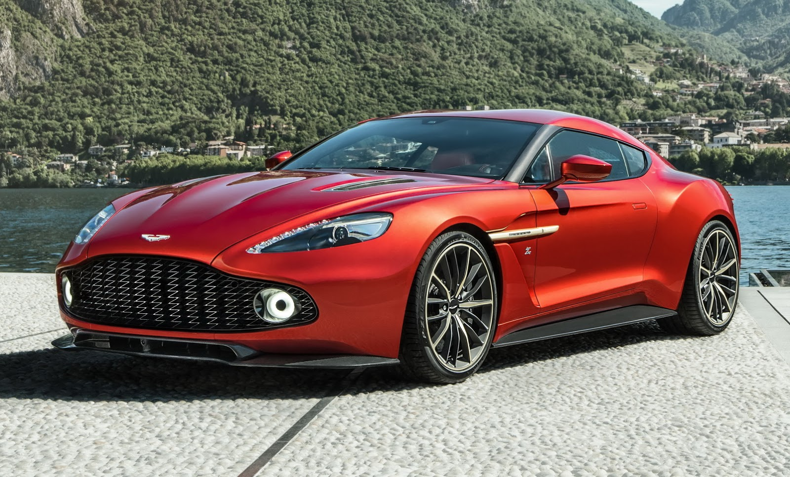 aston martin s new limited production vanquish zagato coupe carscoops. Black Bedroom Furniture Sets. Home Design Ideas