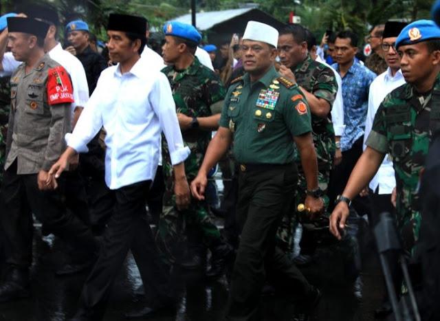 Rahasia di Balik Peci Putih dan Seragam Jenderal Gatot Nurmantyo dalam Aksi 212