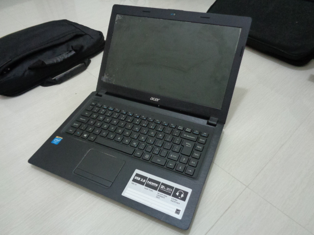 Laptop ACER One 14 Z1401 Slim Intel Processor N2840