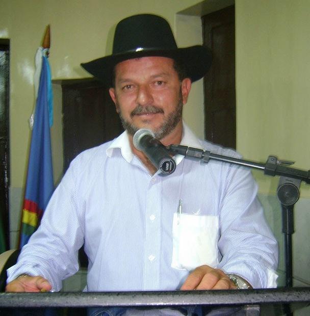 Cantor Delmiro Barros é preso durante operação Força no Foco