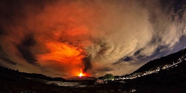 Φόβοι για τεράστια καταστροφή! «Ξυπνάει» ένα από τα πιο επικίνδυνα ηφαίστεια του κόσμου