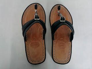 keunggulan sandal tarumpah