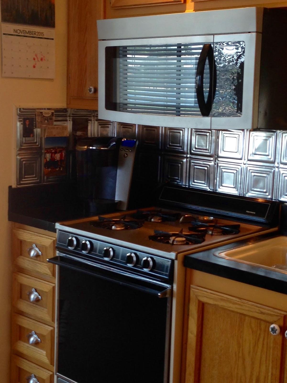 Kitchen Tv Backsplash