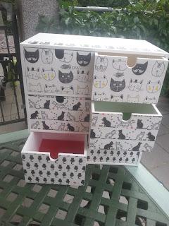 Szafeczka 6 szufladkowa CZARNE KOTY wzór -Na  sprzedaż!!!