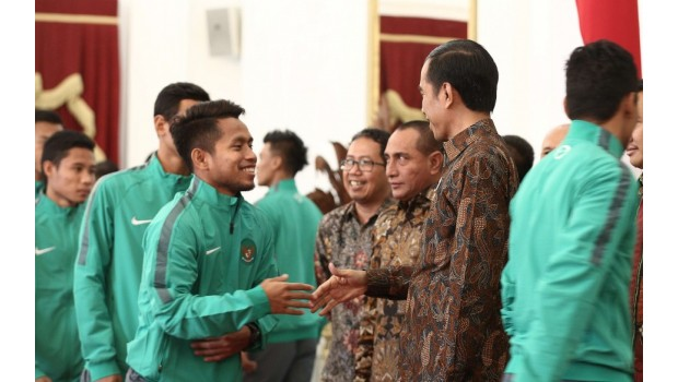 Wow...Setiap Pemain Timnas Garuda Dapat Bonus Rp 200 Juta Dari Jokowi