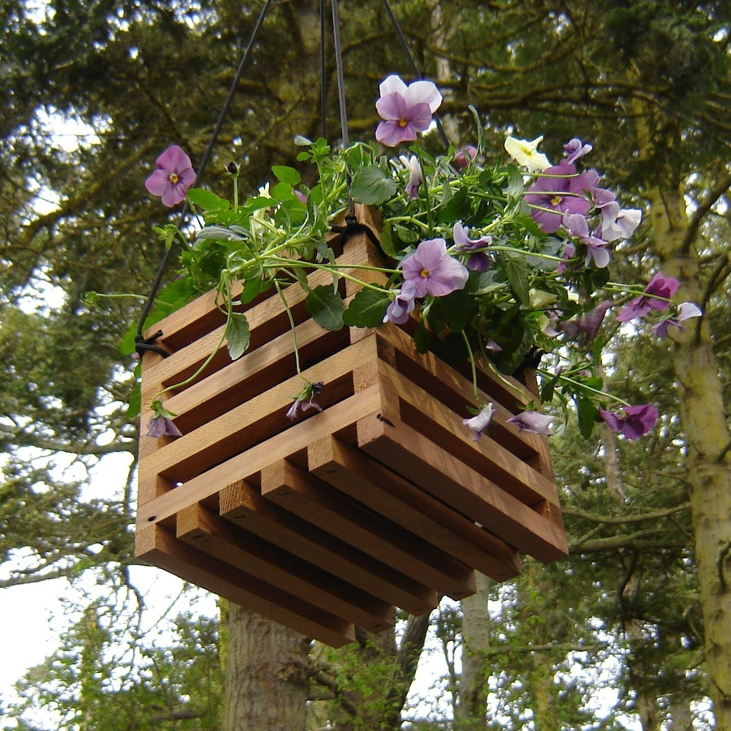 How to recycle recycled hanging planters for Reusable wood