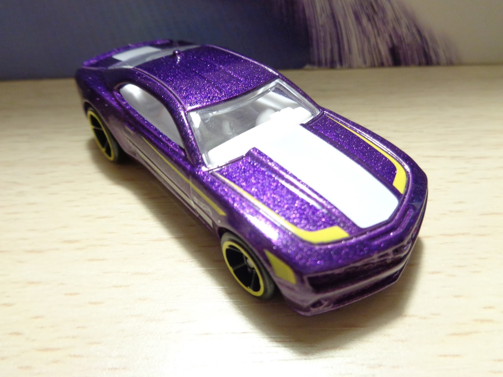 J and j toys hot wheels wednesday 10 camaro ss for 9 salon hot wheels 2016