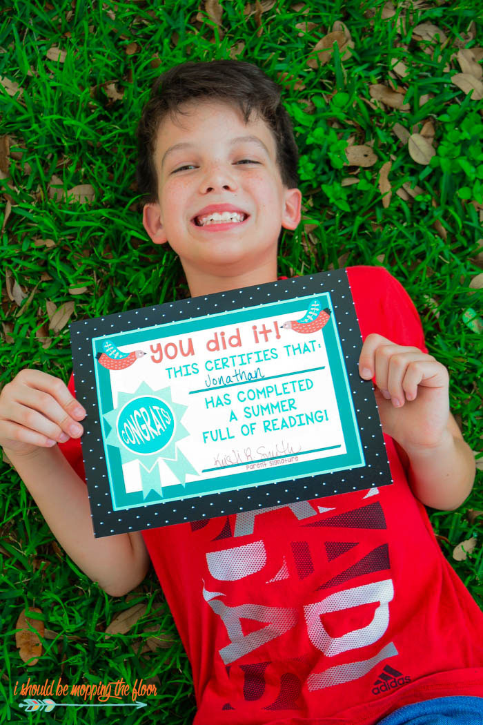 Kids' Summer Reading Printables | Six printable pages of summer reading motivation: book bucket list, reading logs, colorable bookmarks, & completion certificate.
