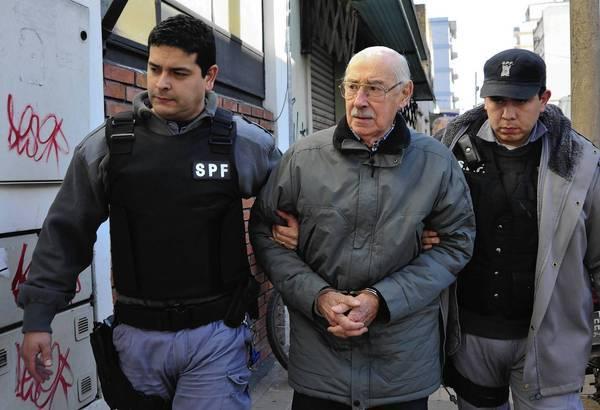 Jorge Rafael Videla pemimpin junta militer argentina yang membantai ribuan orang