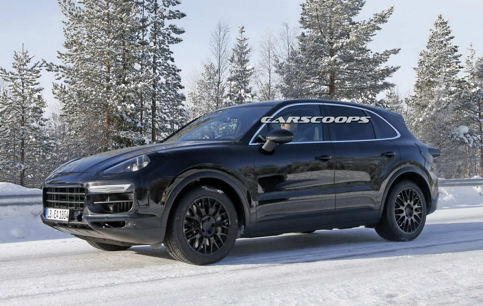 porsche caught testing all new 2018 cayenne. Black Bedroom Furniture Sets. Home Design Ideas