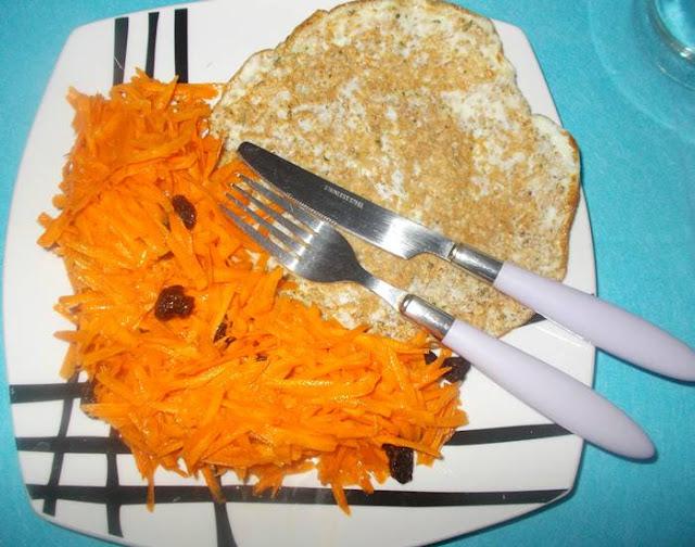 Omelete light de claras de ovo com quinoa e amaranto em flocos