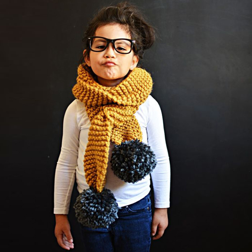 DIY Knitted Pom Pom Scarf - Tutorial