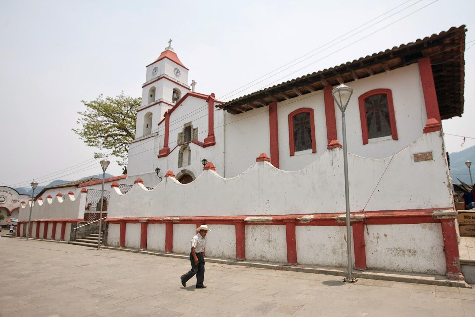 La iglesia de Santiago en Pahuatlán es el templo más antiguo de este municipio.