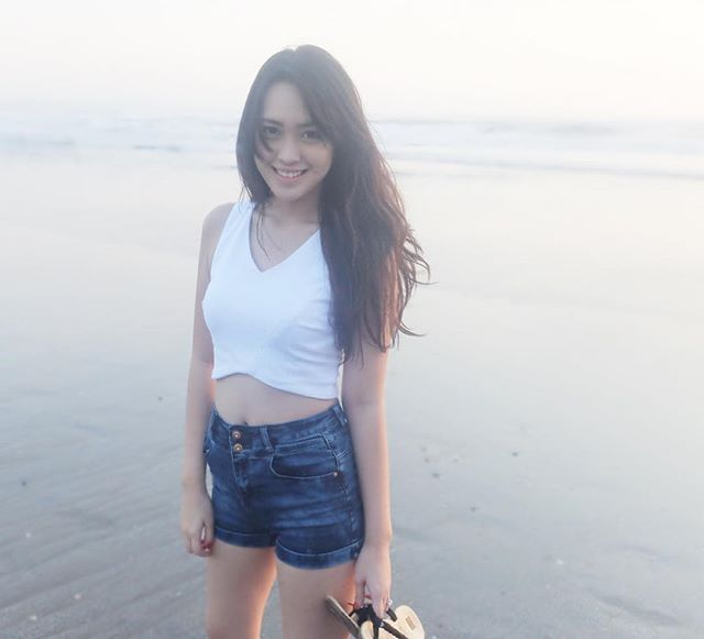 Foto vania Larissa paha mulus, cantik dan seksi