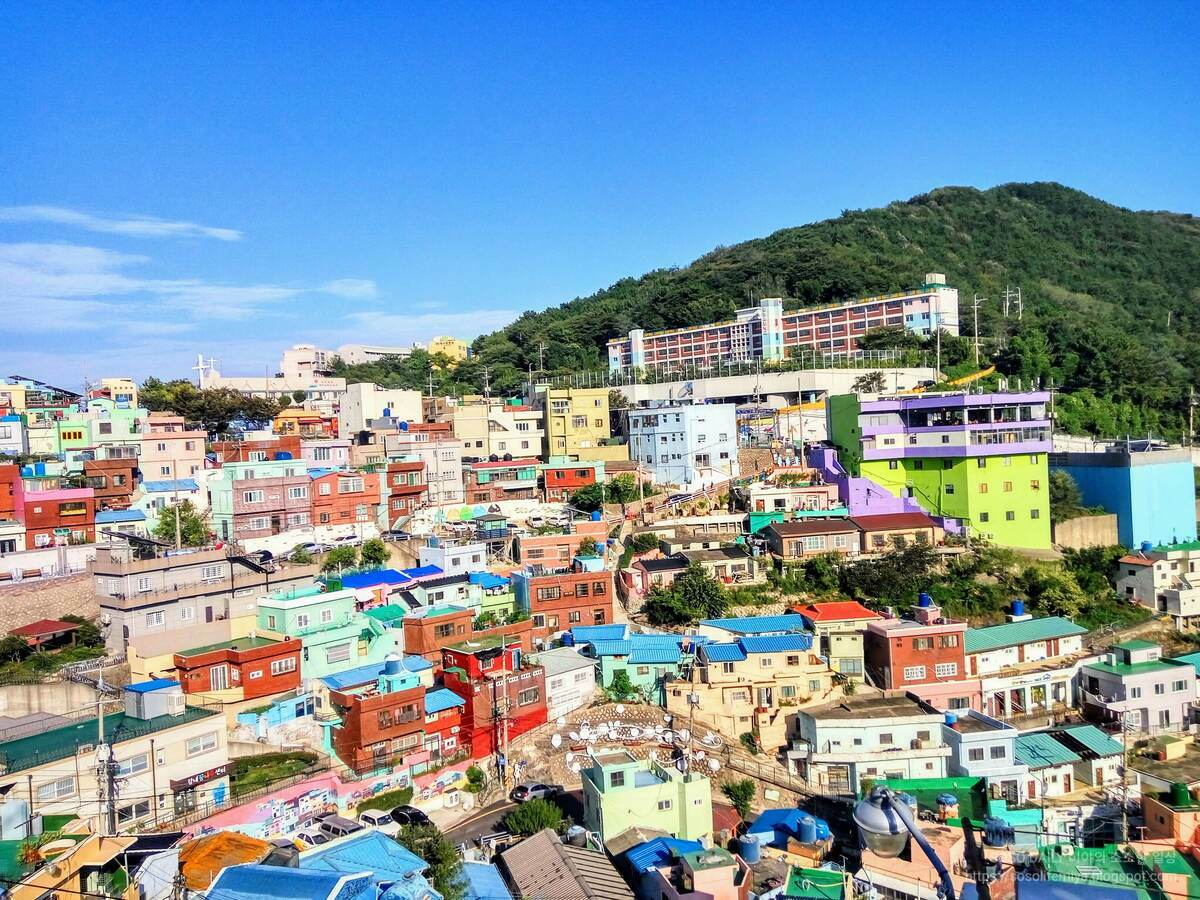 부산 감천문화마을에서만 볼 수 있는 독특한 야경모습