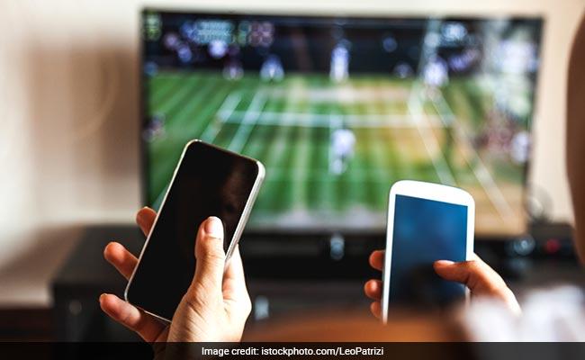 تعرف على أحدث تقنية لمساعدة ضعاف السمع والبصر على معرفة ما يحدث خلال التلفاز