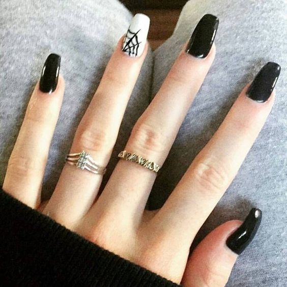 15 Spooky Spider Web Nail Art Ideas for Halloween / geeks ...