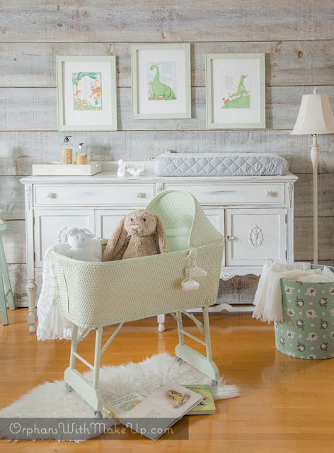 Orphans With Makeup Speckled Frog Bassinet Fusion Mineral Paint