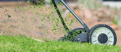 pixabay.com/en/lawn-mower-hand-lawn-mower-938555