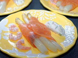 Roulade de saumon fumé aux asperges
