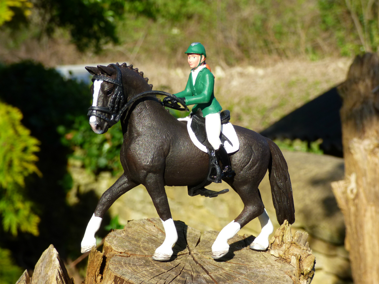 Toy Of Horses : Chez maximka schleich showjumper with horse