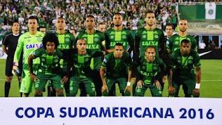 suspensión en la copa sudamericana ante la tragedia del chapecoense dado que fallecieron en colombia los jugadores