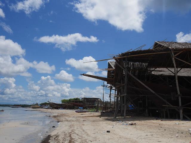 Tanah Beru, sentra pembuatan kapal yang terkenal di seluruh dunia