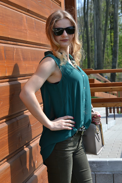 358. Elegant look. Green for spring. ♥