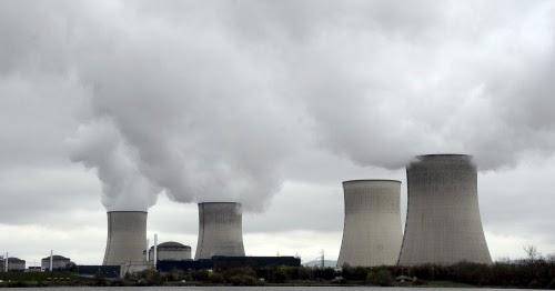 Francia%2bse%2bcompromete%2ba%2bcerrar%2b%2527hasta%2b17%2527%2breactores%2bnucleares%2bantes%2bde%2b2025