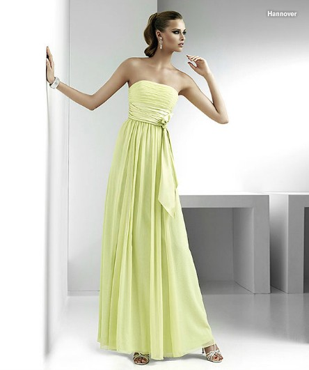 Formal evening dress can be a long-term full-length. Some shiny accessories ef2b841bb20e