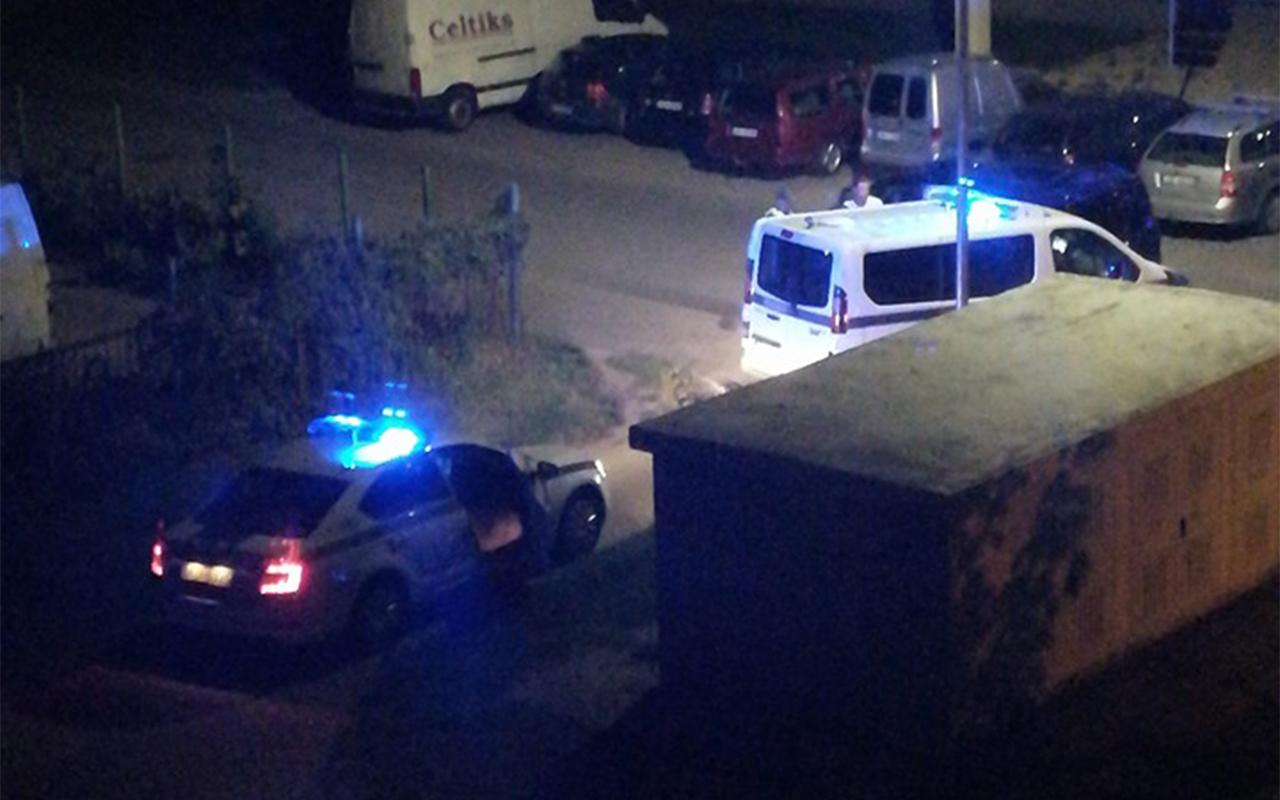 Pļavniekos avarē Valsts policijas busiņš