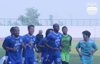 Jelang Lawan Arema, Latihan Perdana Persib Bandung Hanya Diikuti 11 Pemain