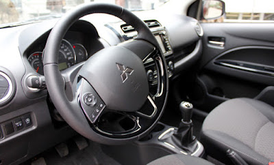 Interior del Mitsubishi Space Star