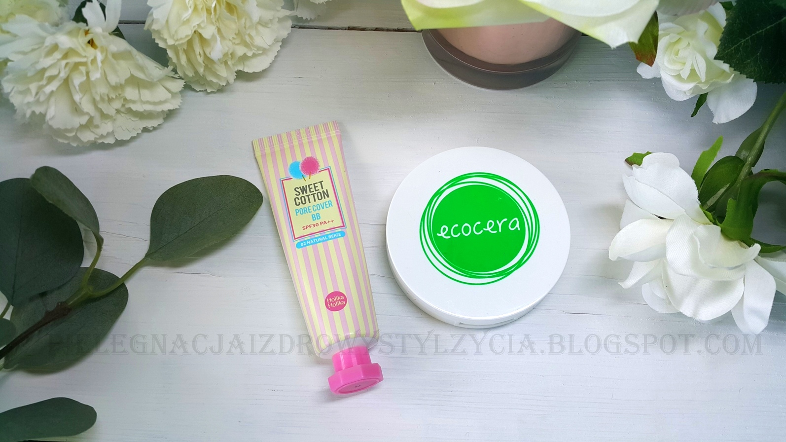 BB cream Sweet Cotton Holika Holika i puder prasowany Ecocera