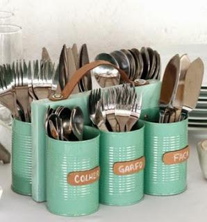 http://www.muyingenioso.com/porta-cubiertos-reutilizando-latas/