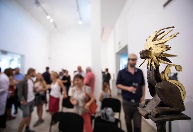 Érzékeny terek címmel látható akadálymentes kiállítás a szentendrei MANK Galériában