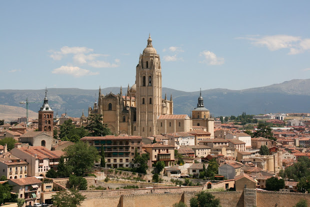 Julie' Travel Segovia Spain